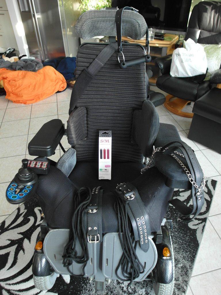 Bondage Rollstuhl