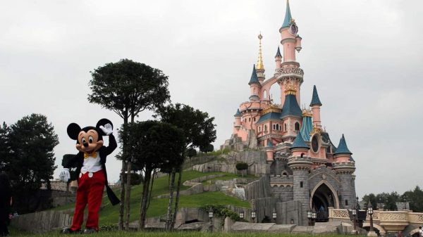 Disneyland Paris ist der größte Freizeitpark Europas.