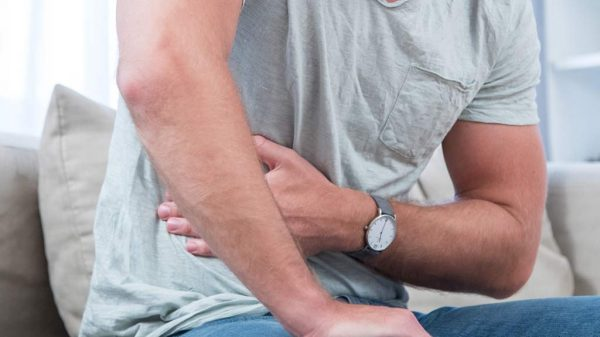 Bauch und Psyche hängen eng zusammen: Dauerstress kann zu einer gestörten Verdauung führen.
