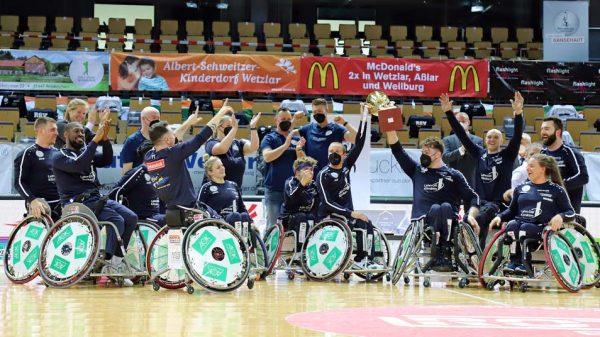 So sehen Sieger aus: Der RSV Lahn-Dill gewinnt den Champions Cup 2021.