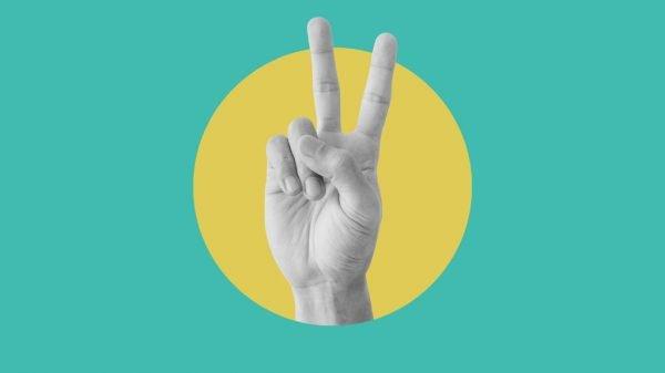 Das Victory-Handzeichen.