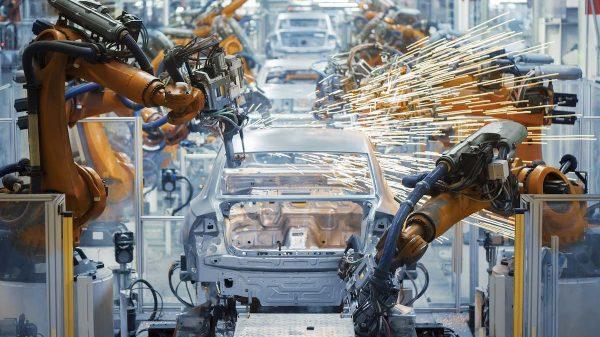 Automobilproduktion in der Fabrik.