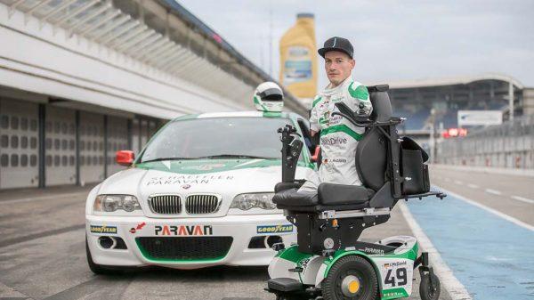 Janis McDavid mit seinem speziell auf seine Bedürfnisse zugeschnittenen BMW M3.