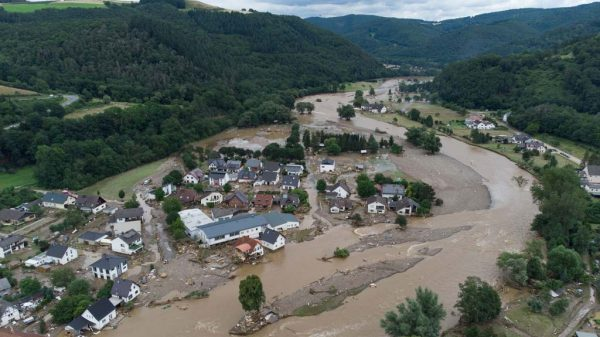 Überschwemmtes Dorf in Rheinland-Pfalz