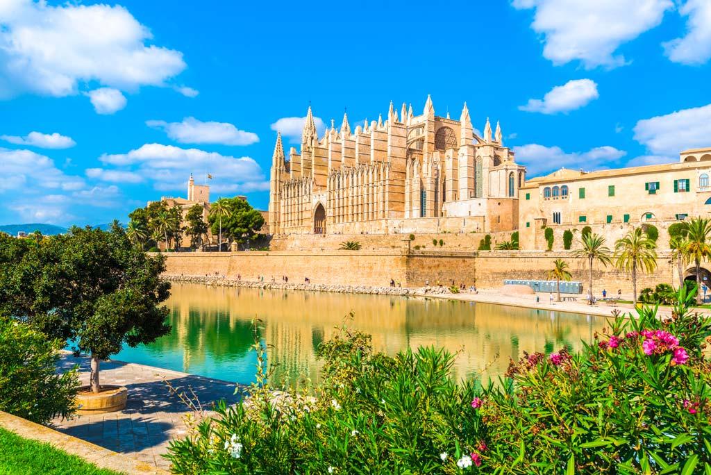 Die gotische Kathedrale La Seu auf Palma de Mallorca