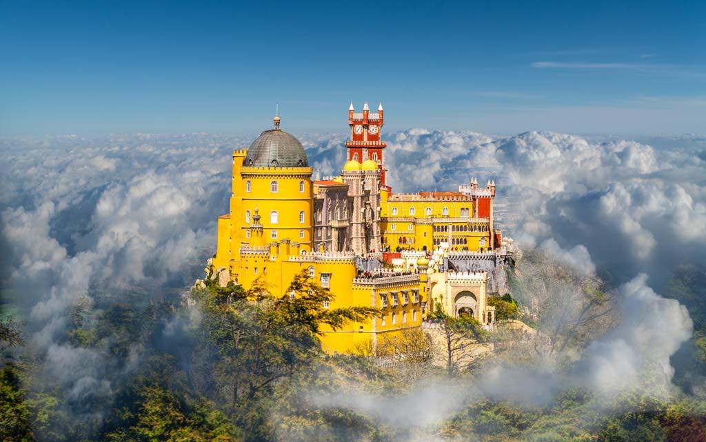 Der Nationalpalast Pena in der portugiesischen Stadt Sintra
