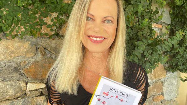 """Nina Ruge mit ihrem neuen Buch """"Verjüngung ist möglich"""""""