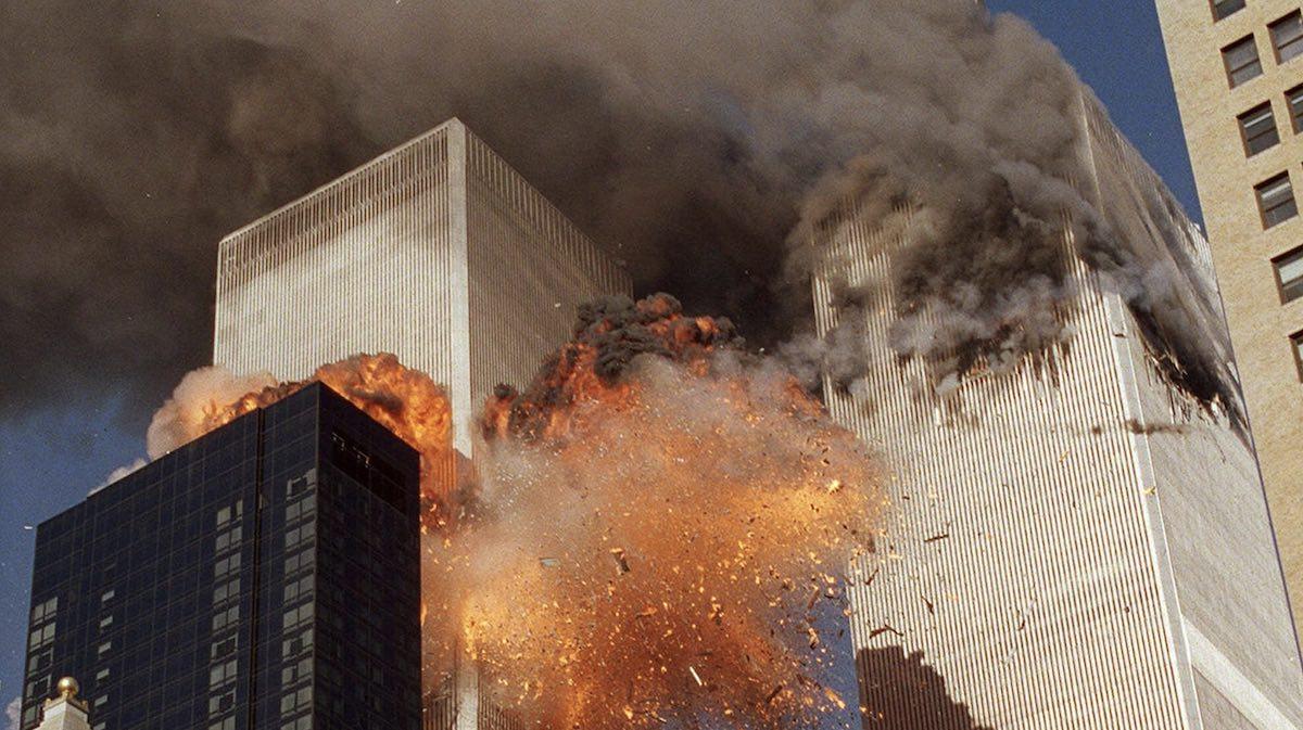 Flammen und Rauch: Anschlag auf das World Trade Center am 9. September 2001.