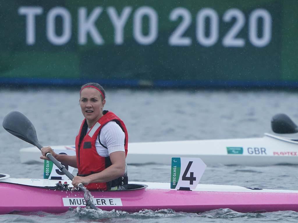 Edina Müller im Kanu