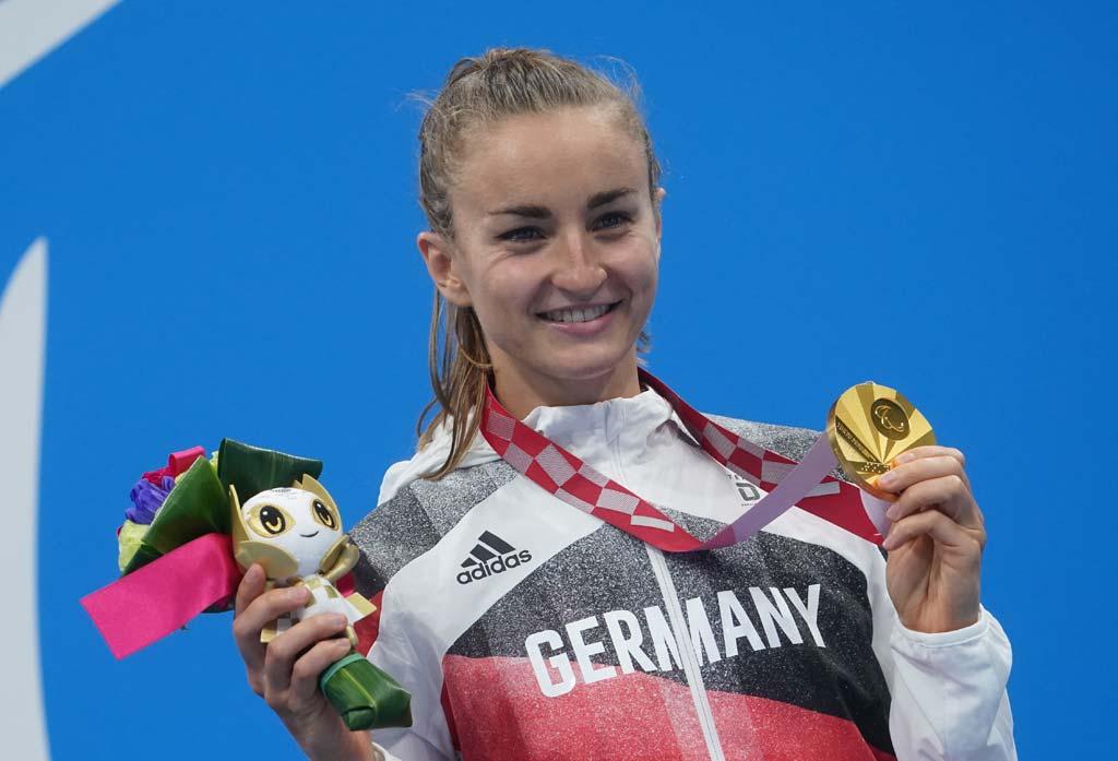 Elena Krawzow mit Goldmedaille