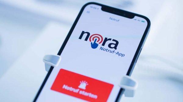 iPhone mit installierter nora-App