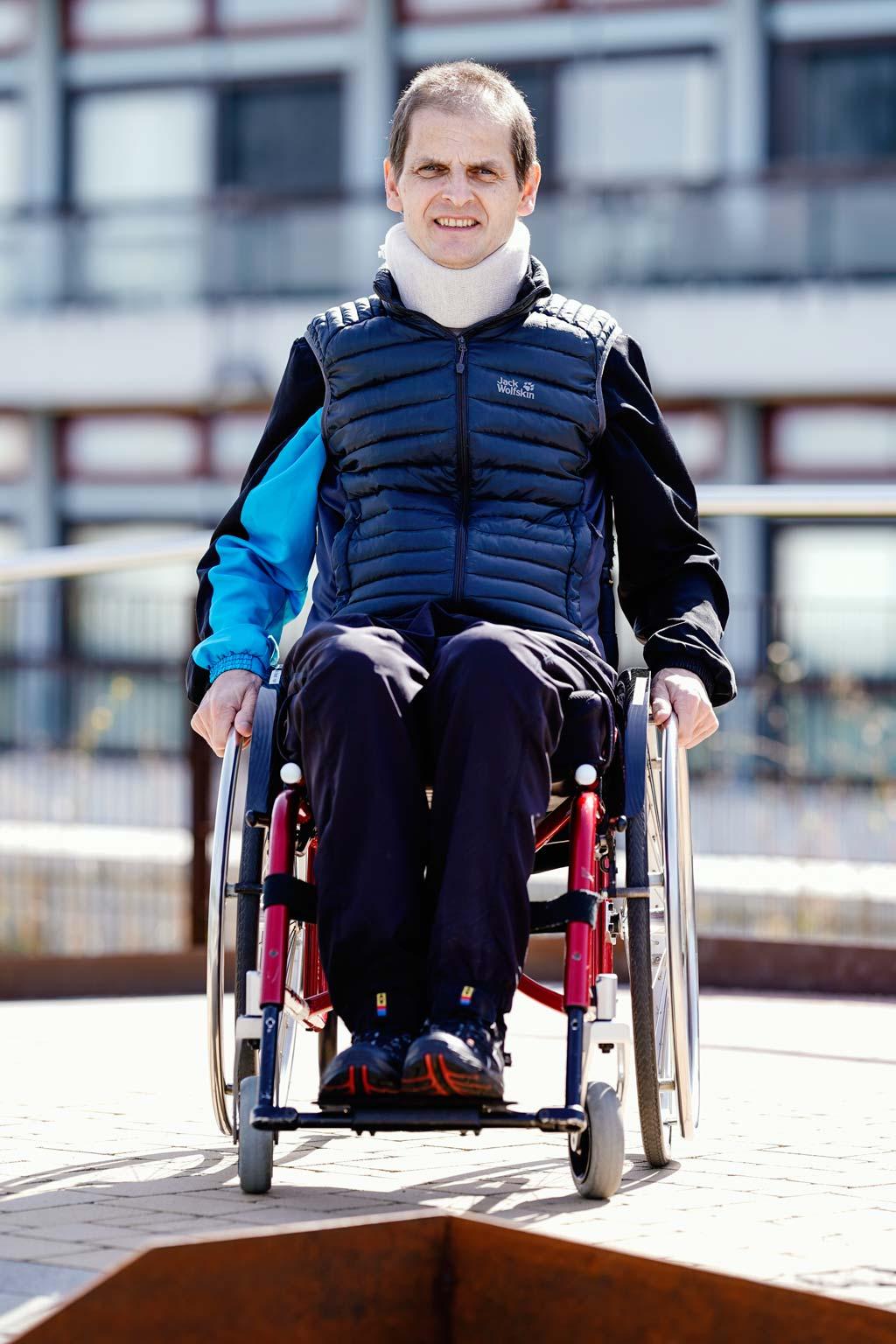 Andreas Brandl im Rollstuhl