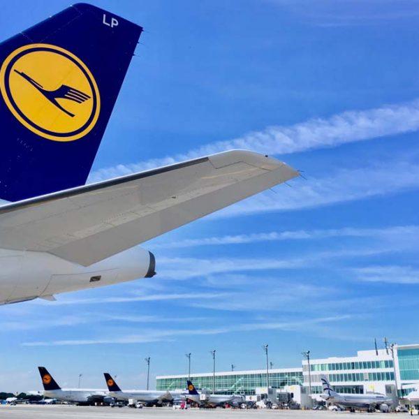 Lufthansa-Maschine am Airport